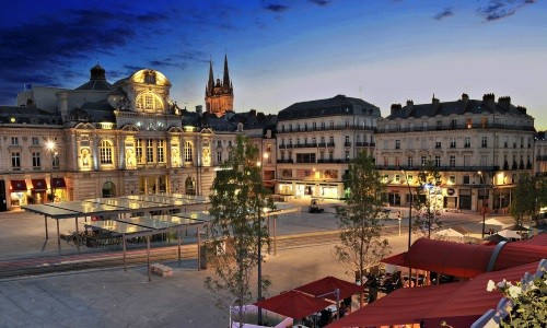 Several hotels for residential seminars in Angers.