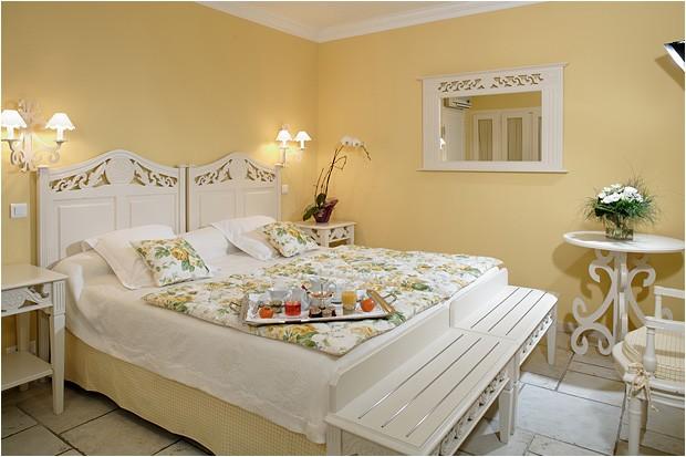 Hostellerie la magnaneraie room