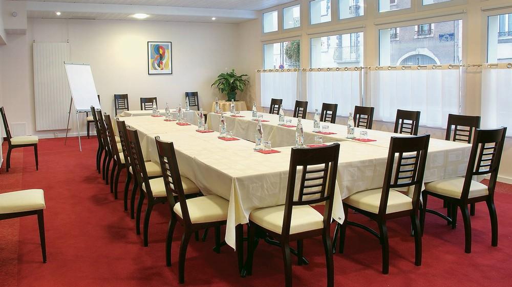 Le pariou salle s minaire clermont ferrand 63 for Restaurant issoire le jardin