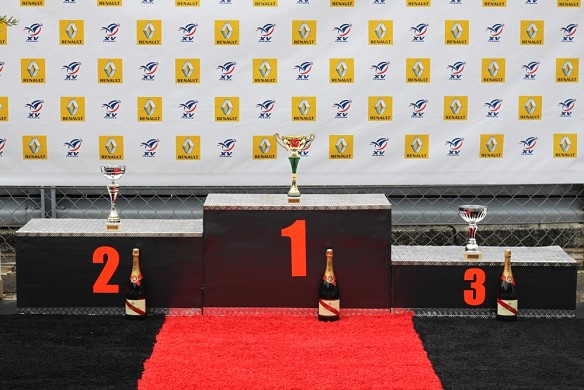 more space marcoussis Circuit podium
