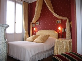 Camere in palazzo 3