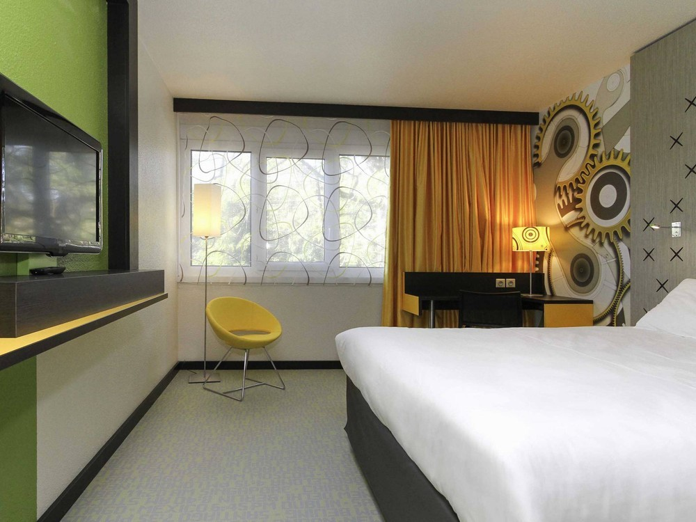 ibis styles besan on salle s minaire besan on 25. Black Bedroom Furniture Sets. Home Design Ideas