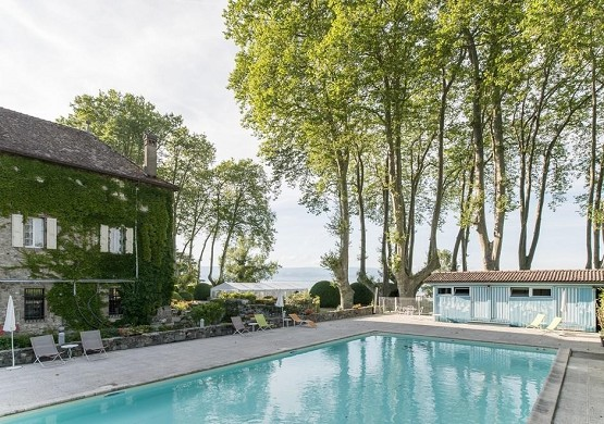 Coudrée castle - swimming pool