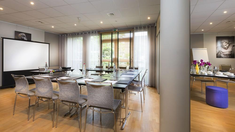 Quality Hotel acanto - sala de reunião