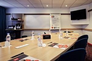 Ibis Lyon Est Bron - Meeting Room 30 m² 14 people in the light of day - Ibis Lyon Est Bron