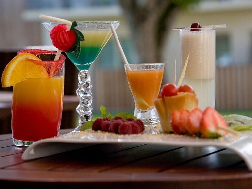 Der Rand des Holzes - Cocktails