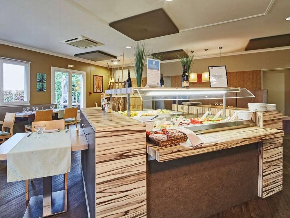 Kyriad Hotel auxerre - buffet
