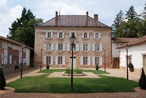 Château de Luponnas - Exterior