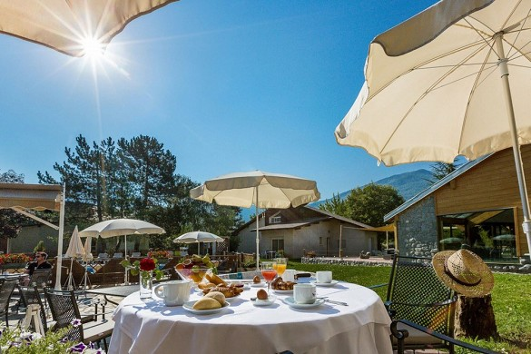 Les bartavelles hotel and spa - terrasse