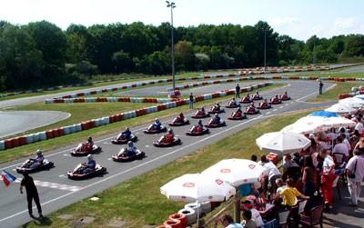 Karting buffo les etards salle s minaire melun 77 for Karting exterieur