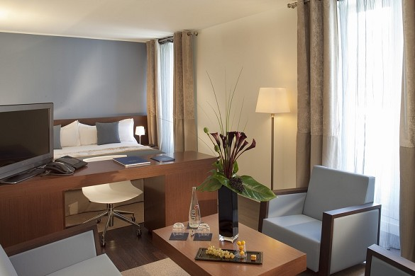 Les pleiades hotel and spa restaurant - deluxe room