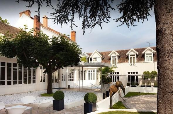 Les pleiades hotel and spa restaurant - exterior