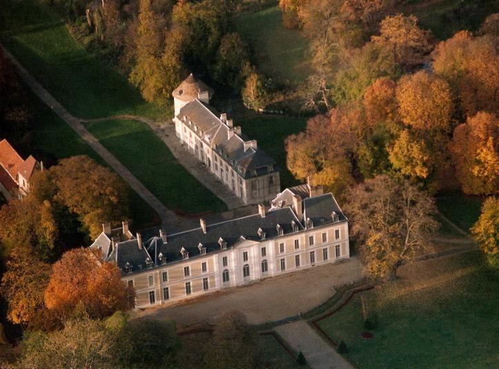 Castillo de Brou - vista desde el cielo