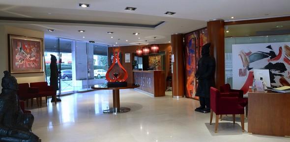 Goldstar suites - lobby