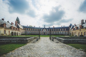 Relais und Chateau de Neuville - Burg