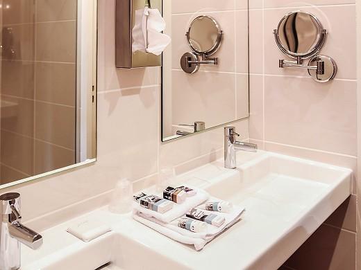 Mercure aix-en-provence sainte-victory - bathroom