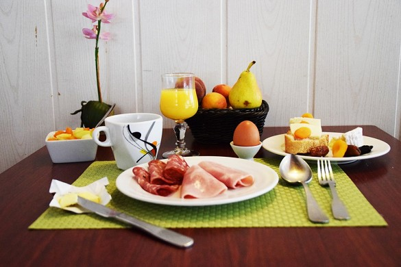 Brit hôtel bordeaux aéroport le soretel - petit-déjeuner