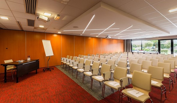 Holiday inn toulouse airport - seminar room theater