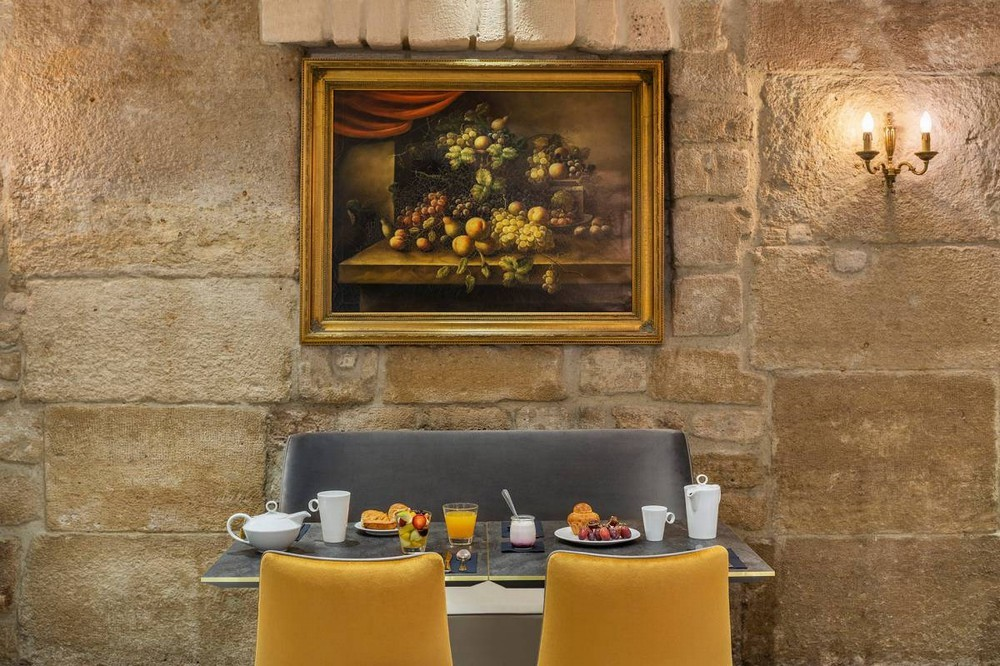 Duques de borgoña hotel - desayuno