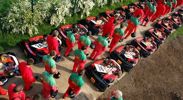 Racing kart jpr salle s minaire lille 59 for Karting exterieur