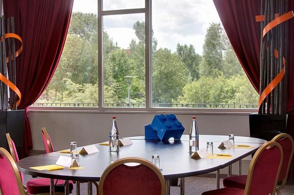 Golden tulip lyon eurexpo - salon oceanie - boardroom