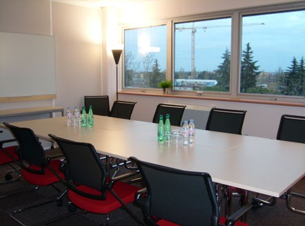 Regus Toulouse Blagnac airport hall meeting
