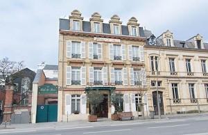Hôtel de Paris Charleville - Außenansicht