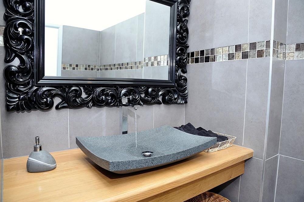 Hotel with houses - bathroom