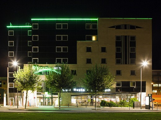 Ibis style bordeaux meriadeck by night_2613