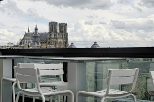 Terrace of 7th floor cathedral view