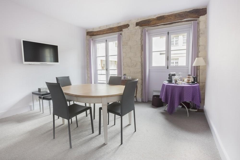 Purple villa - interior the suite