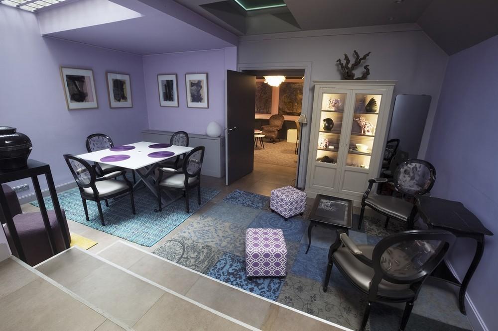 Purple villa - living room