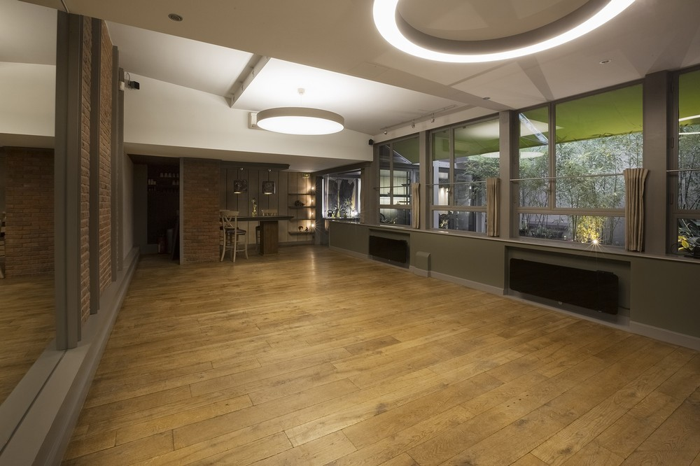 Purple Villa - Empty Workshop