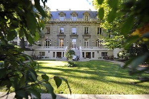 The Research House - Prestigious location in Paris