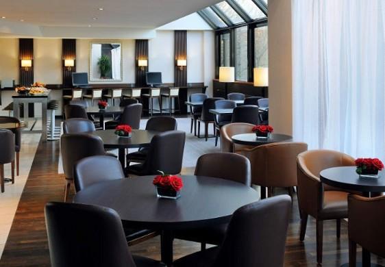 Paris Marriott links Bankhotel Konferenzzentrum - Essbereich