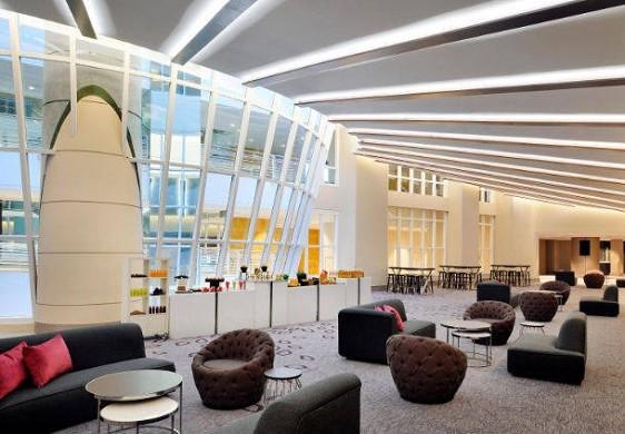 Centro congressi dell'hotel Paris Marriott sulla riva sinistra - atrio