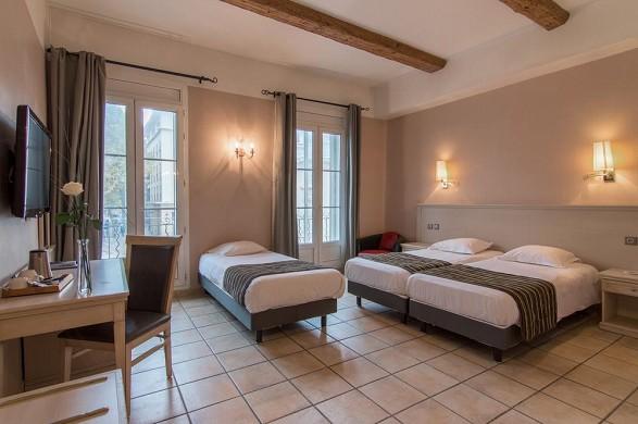 Hotel artea aix center - family room