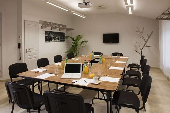 Hotel artea aix center - seminar room