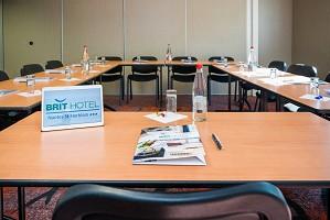 BRIT HOTEL Nantes Saint Herblain Le Kerann - Seminario camera