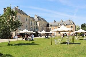 Castello Rousselière - invece di Esterno