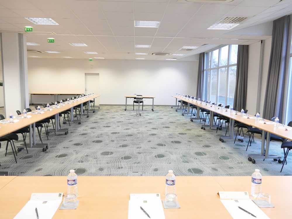 Room 170 m² - Sure Hotel by Best Western Nantes Beaujoire