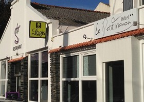 Le Petit Trianon - Hotel 2 estrella