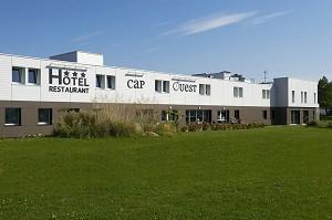Brit Hôtel Cap Ouest Plouescat - Front