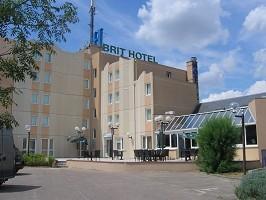 BRIT HOTEL Orléans Saint Jean de Braye, L'Antarès - BRIT HOTEL facade parking side