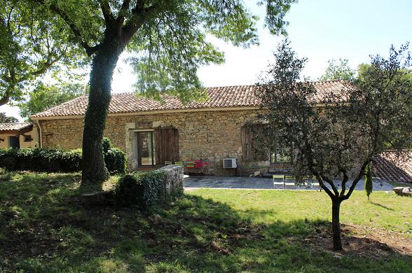 Domaine le Hameau de l'Etoile - outdoor barn