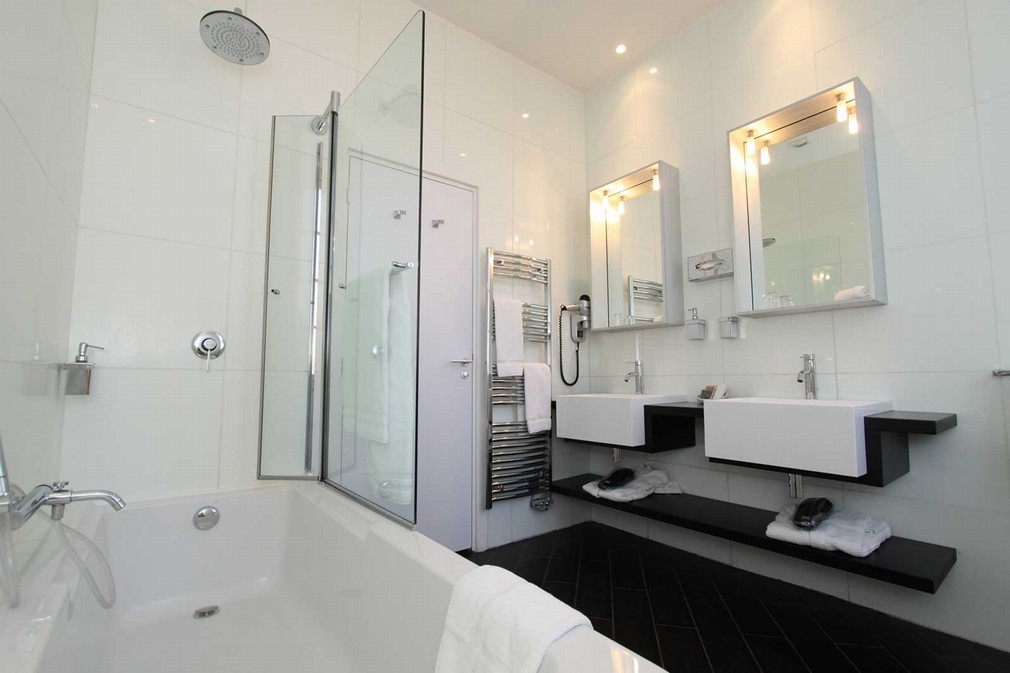 H tel palazzu salle s minaire ajaccio 2a for Salle de bain hotel
