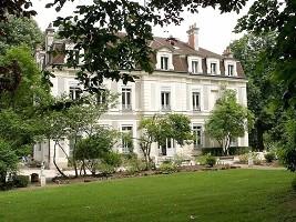 Château de La Dame Blanche - Facade of the castle