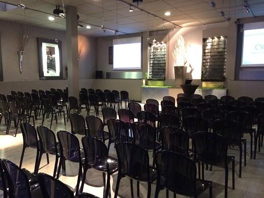 112 Karat Halle Sitzung