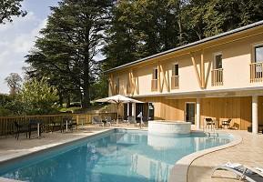Hotel Restaurant Spa Paranthèse - Swimming pool
