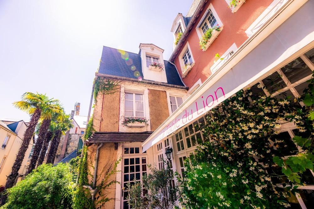 Hotel Löwe aus Gold Bayeux und sein Restaurant der Tisch der Löwenfassade